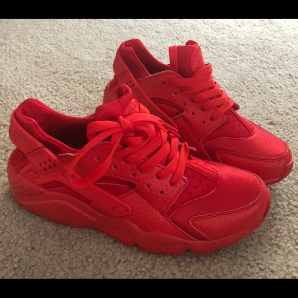 7babdbec77da Red huarache sneakers W size 8.5 M size 7